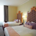 ホテルに泊まりたい。