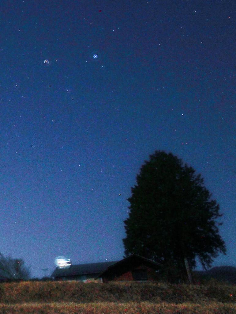 西の空の星たち。