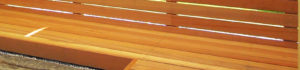2通りのウッドデッキの材料、どっちがいいのか